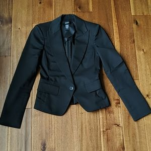 Body by Victoria formal blazer size 0